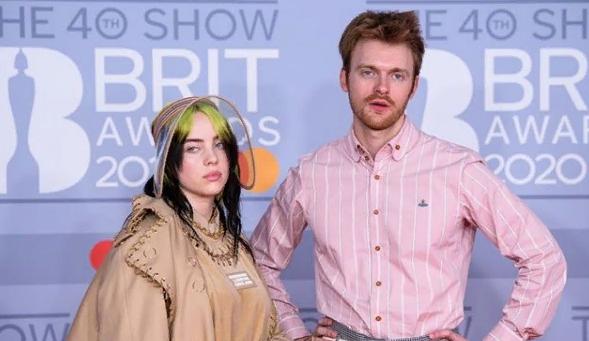 Билли Айлиш и её брат написали песню к новому фильму о Джеймсе Бонде