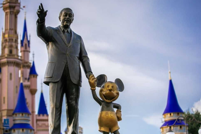 Disney выиграла конкуренцию за право показать фильм о мире кино