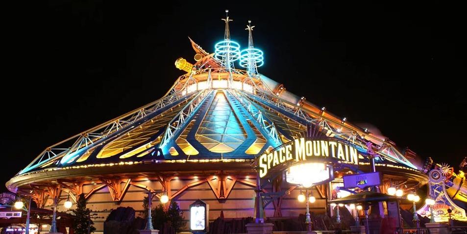 Disney создаст фильм по мотивам аттракциона «Space Mountain»