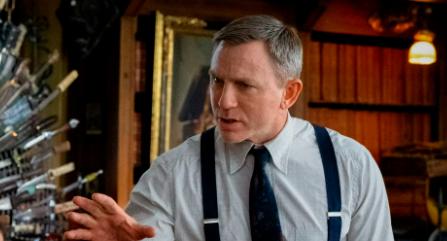 Netflix приобрел сиквелы картины «Достать ножи»